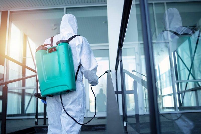 Limpieza y desinfección de zonas comunes de centros educativos