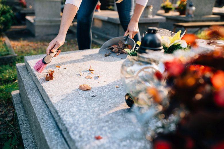 Limpieza de nichos, sepulturas y panteones